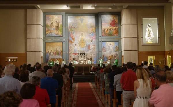 El arzobispo de Valencia preside una Misa solemne de acción de gracias por el 90 aniversario del Opus Dei
