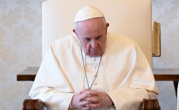 聖母親近在疫情中孤獨離世的人