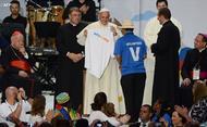 Papa com os voluntários da JMJ 2016