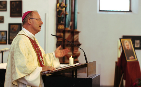 Opus Dei - Bischof Elbs: Einsatz für Bedürftige und Gottesbeziehung gehören zusammen