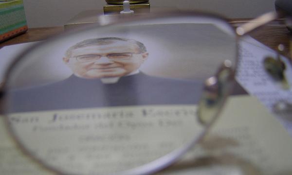 Opus Dei - Como é governada a prelazia do Opus Dei? Quem a dirige?