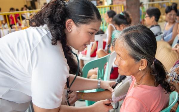 Opus Dei - Pakikipagkapwa: «Cualquiera puede ayudar»