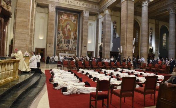 Opus Dei - Le parole di mons. Fernando Ocáriz in occasione dell'ordinazione sacerdotale di 29 fedeli dell'Opus Dei
