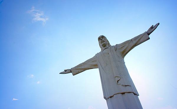 Opus Dei - Mons. Fernando Ocáriz: «Crist regna donant-nos la seva vida»
