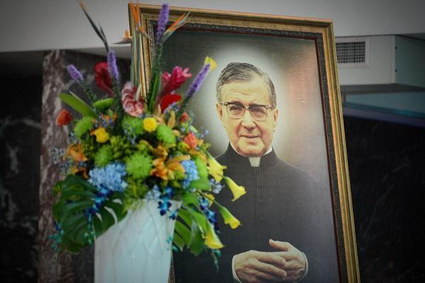 Misas en Ponce y San Juan en honor a San Josemaría