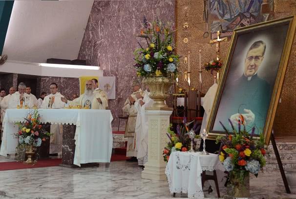Opus Dei - Obispo de Ponce celebra Misa en honor de San Josemaría