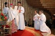 """""""Tratad siempre con la máxima delicadeza a Jesús en la Eucaristía"""""""