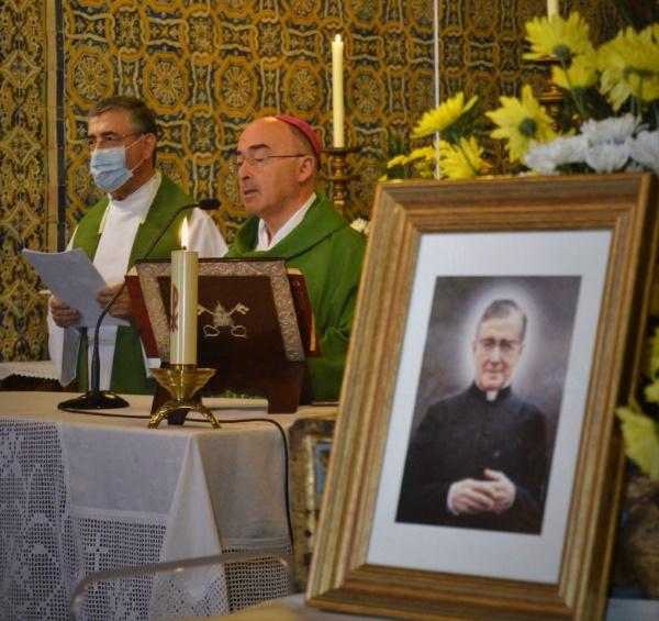 "D. Nuno desafia fiéis a serem ""ousados peregrinos da santidade"" como S. Josemaria"