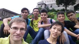 Junge Flüchtlinge bereiten sich in Salzburg auf die Taufe vor