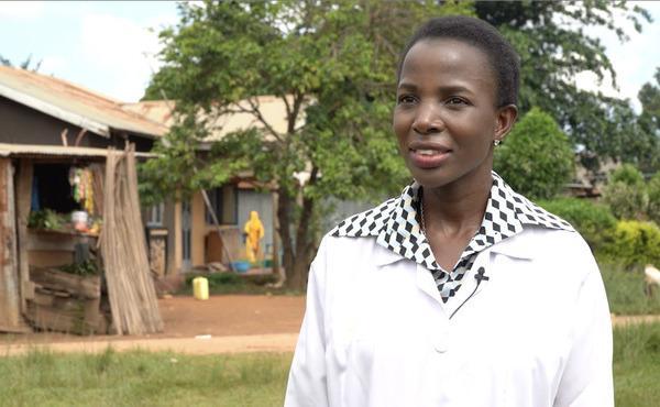 Opus Dei - Otorgan premio a doctora por desarrollar cultura de la salud en África