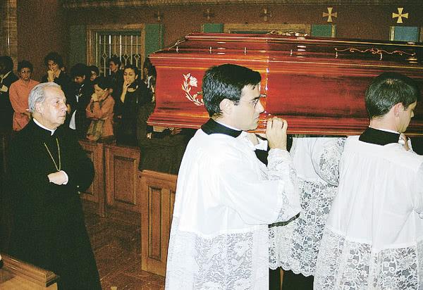 Opus Dei - Dora ist gestorben