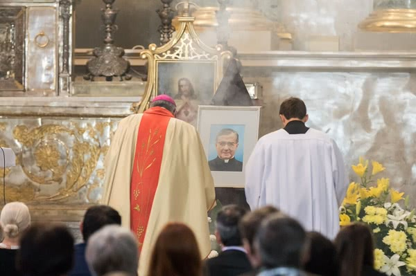 Opus Dei - Kvietimas dalyvauti šv. Mišiose Opus Dei steigėjo šventės proga