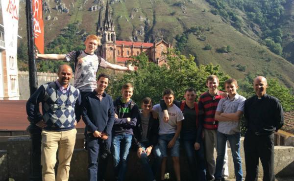Estudiantes rusos, católicos y ortodoxos, juntos en Covadonga