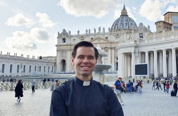 Opus Dei - Joven abogado tico será ordenado sacerdote mañana en Roma