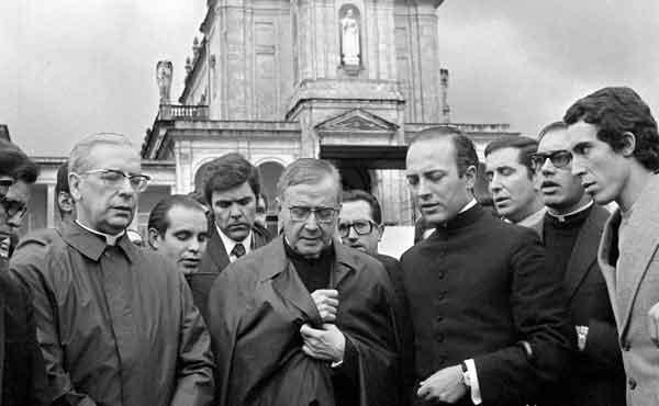 Opus Dei - Moeilijke tijden