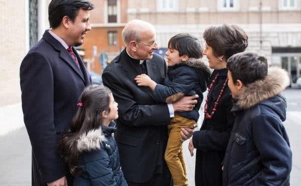 Opus Dei - «Ante el 90 aniversario, decimos a Dios: gracias, perdón, ayúdame más»