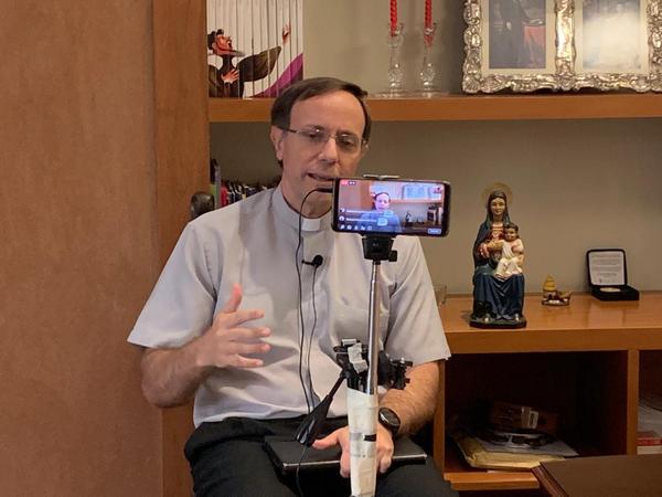 Llegar con la palabra de Dios a las periferias digitales