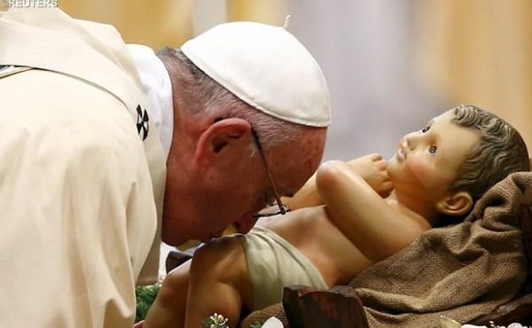 瞻仰耶稣圣婴,增进我们的信德