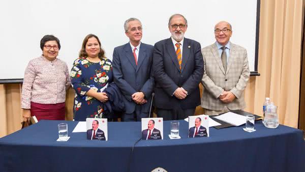 """Presentan libro """"Vicente Rodríguez Casado"""" en el centenario del natalicio del historiador"""