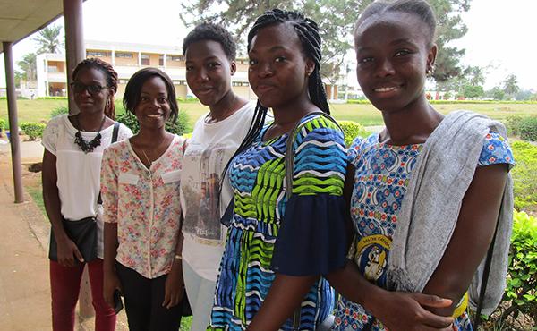 Opus Dei - Beques per a cent dones africanes gràcies a la beatificació de Guadalupe