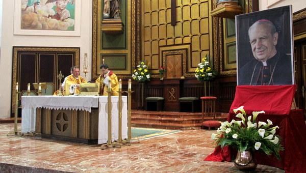 Opus Dei - Misas na festa do Beato Álvaro del Portillo