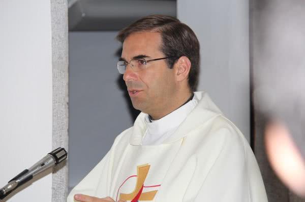"""Testemunho do Pe. Miguel Cabral no livro """"Nós, os Padres"""""""