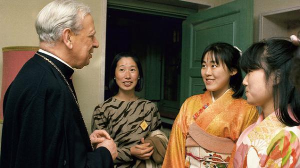 Opus Dei - Viaje pastoral de mons. Álvaro del Portillo a Japón en 1987