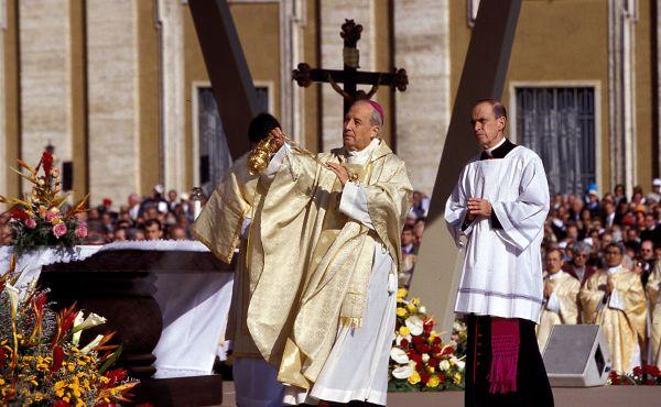 Opus Dei - Homilia de D. Javier Echevarría na missa de ação de graças do dia 7 de outubro