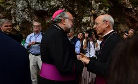 «Sed todos bienvenidos a la casa que María tiene en Covadonga»