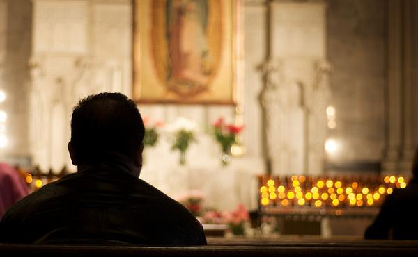 Meditar sobre la Eucaristía con el Adoro te devote