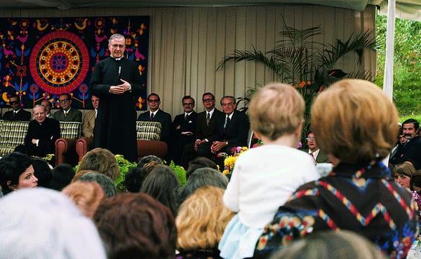 """Opus Dei - """"Dievas pažįsta kiekvieną iš mūsų vardu"""""""