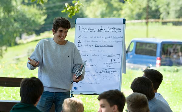 Opus Dei - Wie der Glaube unter jungen Menschen wächst: durch Bildung