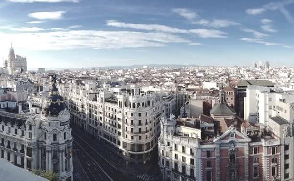 Opus Dei - Los comienzos de la labor del Opus Dei con universitarias: la Residencia Zurbarán de Madrid (1947-1950)