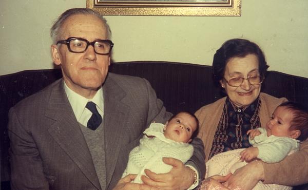 Laura y Eduardo, abuelos y padres