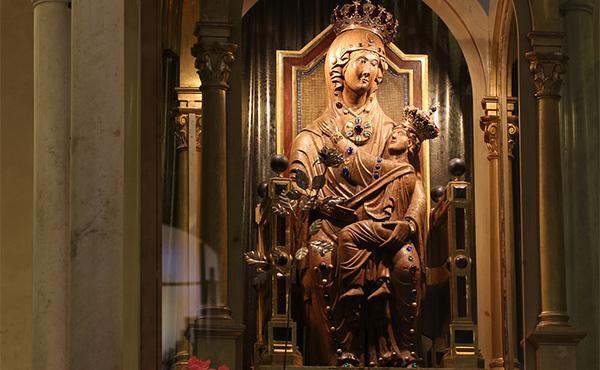 La devoción mariana de Dora