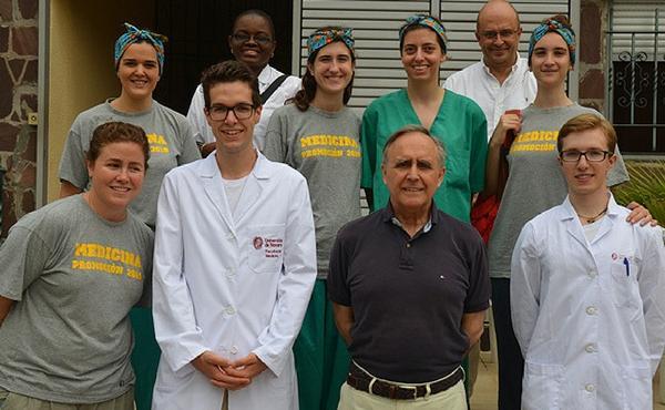 Estudiantes y Ginecólogos de la Universidad de Navarra ayudan a más de 500 mujeres en Kinshasa (R.D.Congo)