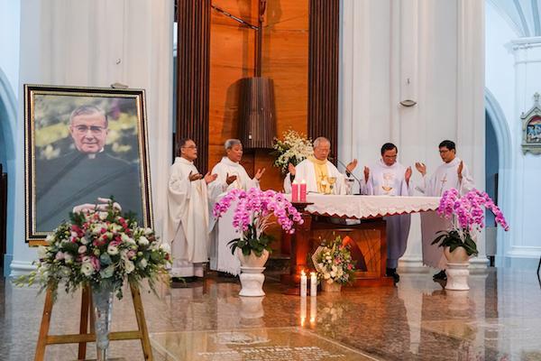 """Thánh Lễ mừng Thánh Josemaria Escriva 26/06/2020 và ra mắt ấn phẩm Việt - Anh """"Con Đường - The Way"""""""