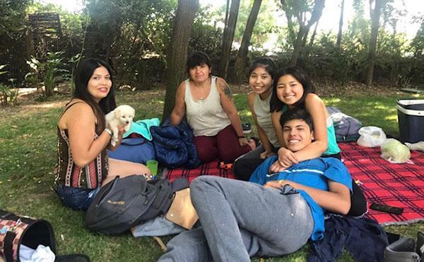 Veraneando en Nocedal:  un combustible necesario para la familia