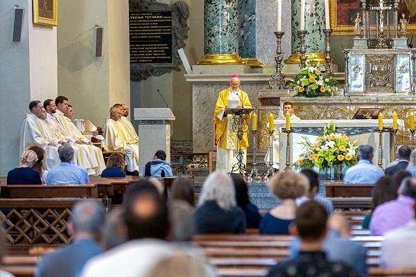 """Opus Dei - """"Dievas taip pasitiki mumis"""": pamokslas Opus Dei steigėjo šventės proga"""