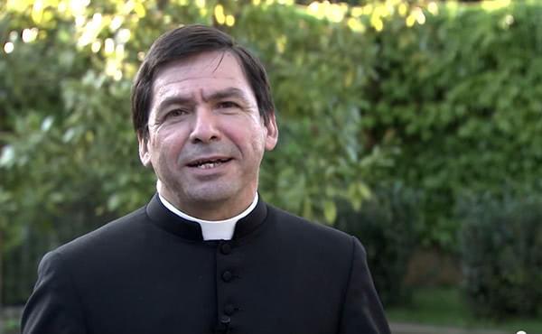 """Opus Dei - """"Nos ordenamos para servirlos a ustedes"""""""