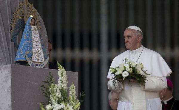 Opus Dei - Maikuu, Neitsi Maarjale pühendatud kuu