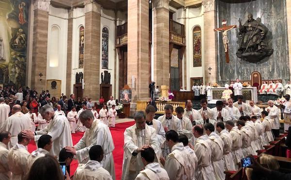4 maggio 2019, 34 nuovi sacerdoti