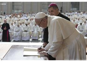 Apoštolský list pápeža Františka Misericordia et misera v plnom znení