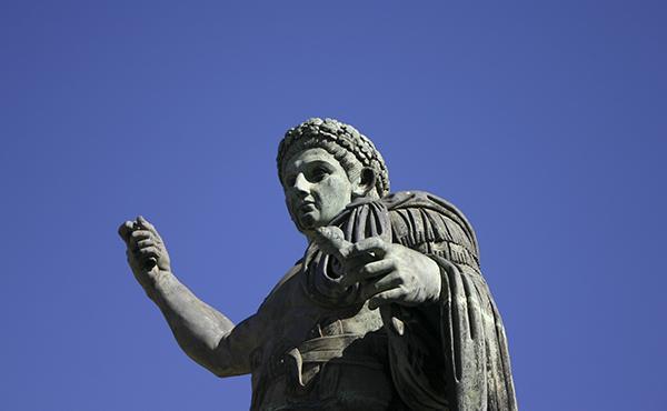 Opus Dei - 51. Qui va ser Constantí?