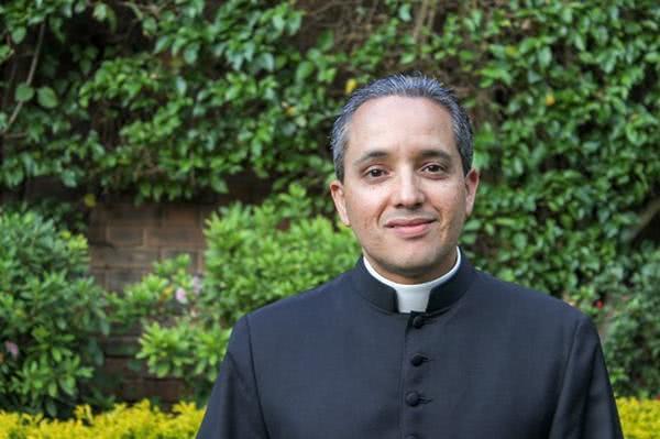 Pbro. Carlos Young: vicario regional del Opus Dei en América Central Norte (Guatemala y Honduras)