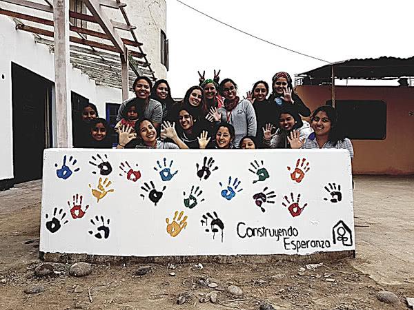 Opus Dei - Construyendo Esperanza: universitarias aplican mensaje del Papa Francisco