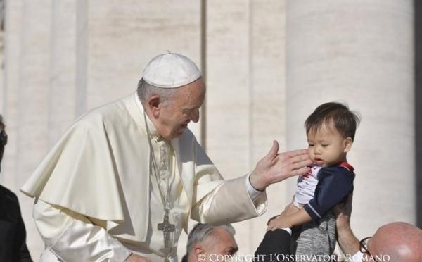 Pápež František: Cirkev vyzvala spojiť všetky sily na ochranu maloletých v digitálnom svete