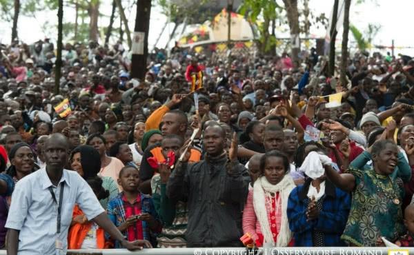 Opus Dei - Encuentro con la Comunidad musulmana en la mezquita central de Koudoukou, en Bangui