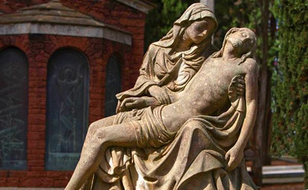 ¿Por qué rezar por los difuntos?