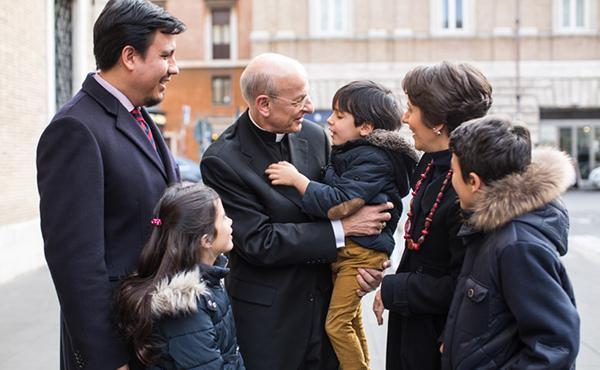 Opus Dei - «Podem tocar Jesús viu en totes les ocasions de l'existència ordinària»